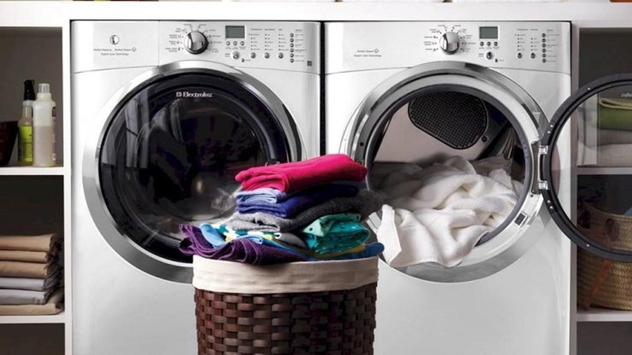 Mẹo xử lý quần áo dính vệt trắng sau khi giặt bằng máy giặt 5