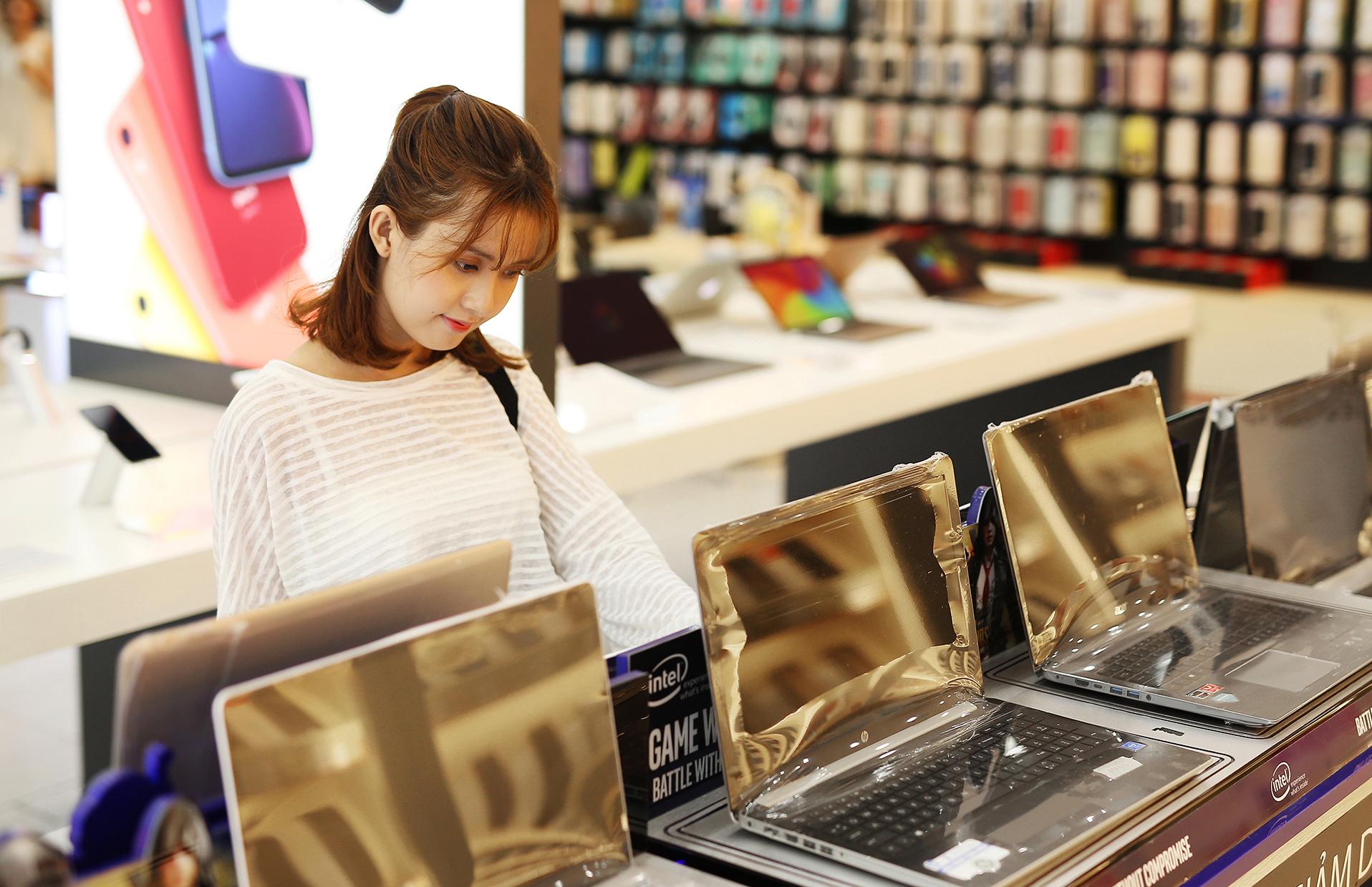 Giảm 28% khi mua laptop, Macbook dành cho tân sinh viên 2