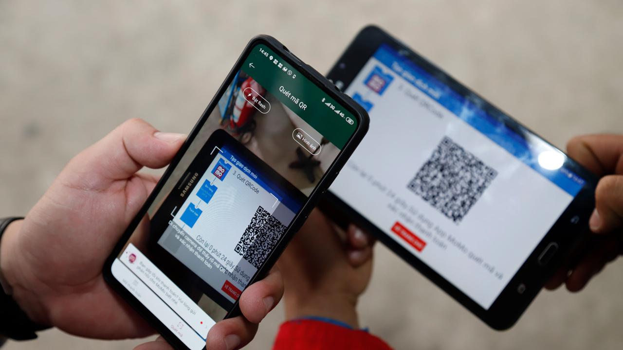 PVOIL và Ví MoMo hợp tác cho người dân mua xăng bằng ví điện tử 3