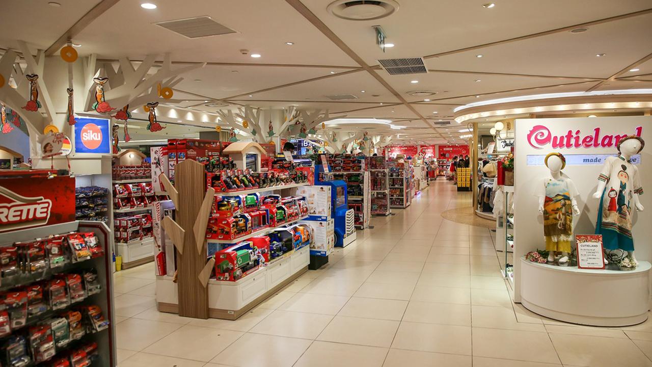 """Trung tâm thương mại giảm doanh thu vì khách """"trốn"""" virus corona 1"""