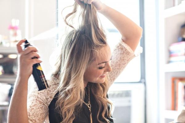 Mẹo giúp tóc nhanh khô trong mùa mưa 7