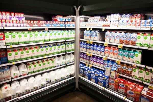 Bé 1 tuổi uống sữa tươi nào tốt? 1
