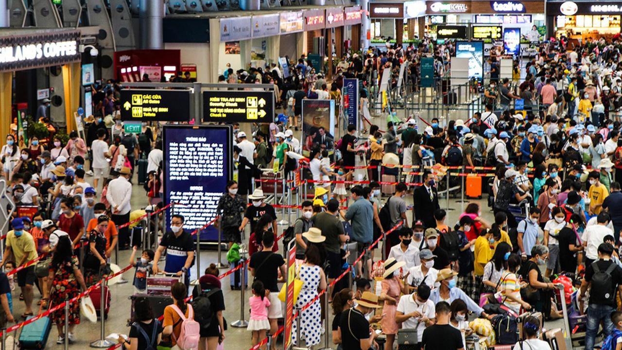 Diễn biến giá vé máy bay từ Đà Nẵng bay Hà Nội, TP.HCM ra sao? 1