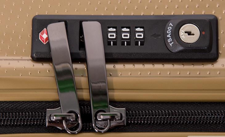 Khóa số TSA trên vali là gì? 2
