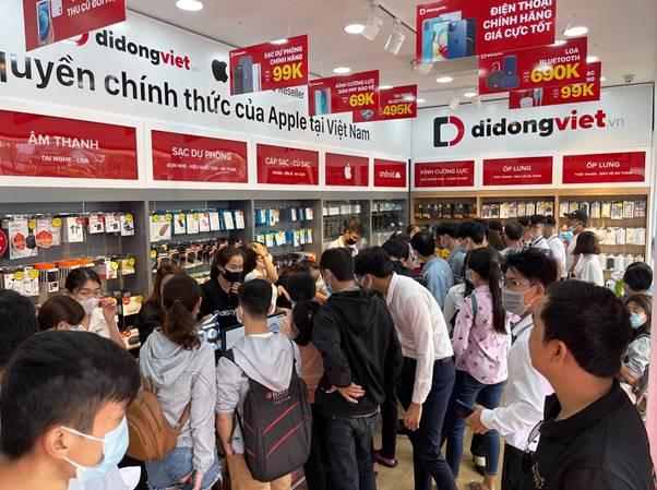 Khai trương cửa hàng Di Động Việt tại 626 Lê Quang Định, Gò Vấp 1