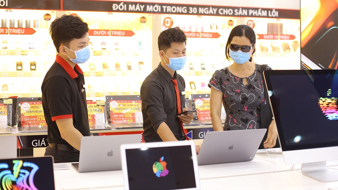 Hàng loạt laptop được giảm giá 2 triệu đồng tại FPT Shop 2