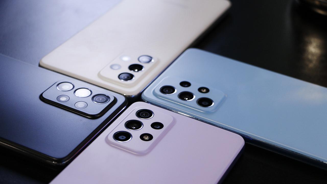 FPT Shop giảm 700.000 đồng cho khách đặt mua Galaxy A72 1