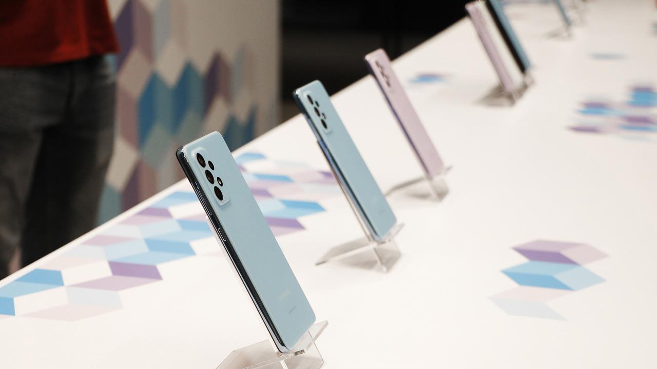 FPT Shop giảm 700.000 đồng cho khách đặt mua Galaxy A72 8