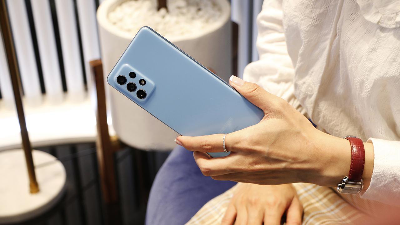 FPT Shop giảm 700.000 đồng cho khách đặt mua Galaxy A72 4
