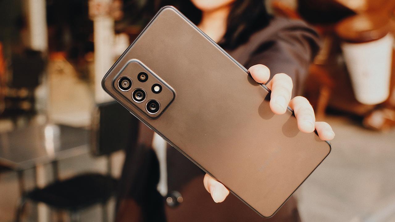 FPT Shop giảm 700.000 đồng cho khách đặt mua Galaxy A72 7