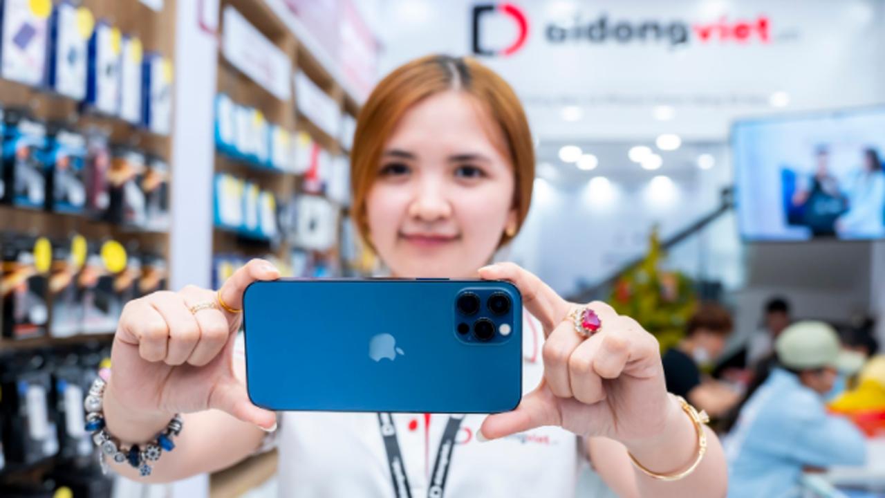 Giá iPhone cuối tháng 3, iPhone 12 Pro 512GB giảm đến 7 triệu đồng 3