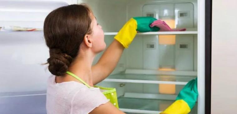 Xử lý tủ lạnh bị đọng nước, đóng tuyết trên ngăn đá 7
