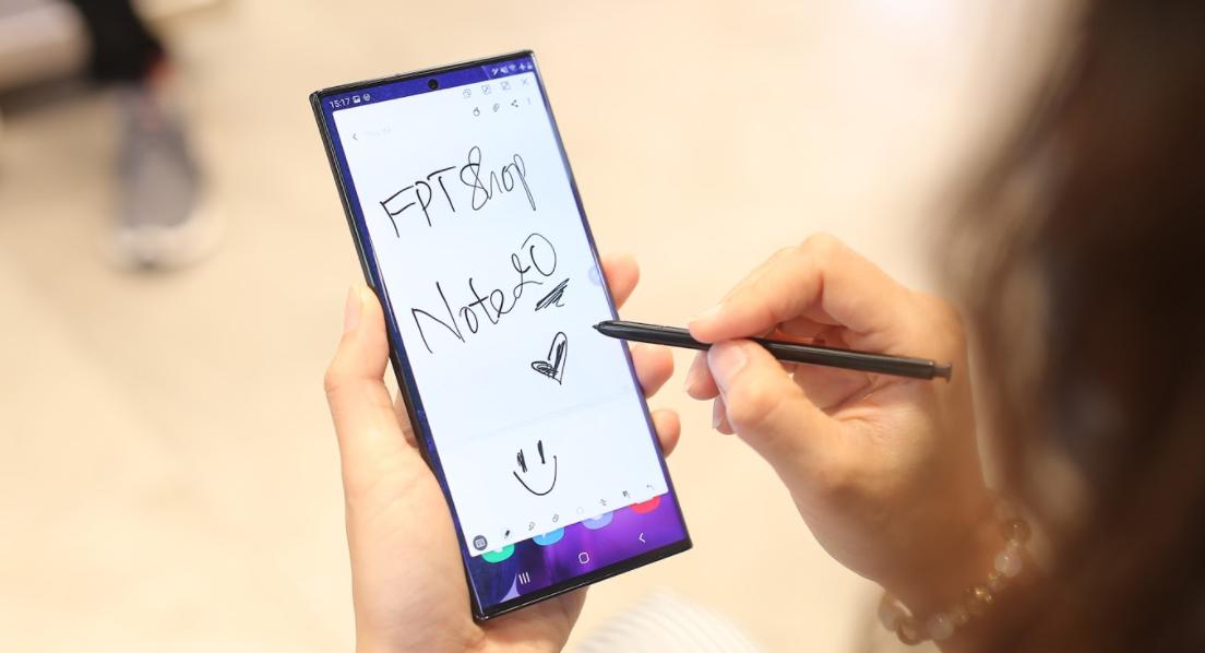 FPT Shop giảm đến 11 triệu đồng và nhân đôi bảo hành cho điện thoại Samsung 1
