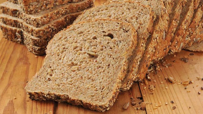 Bánh mì đen khác bánh mì trắng ra sao? Ăn loại bánh mì nào giảm cân và tránh tiểu đường? 35