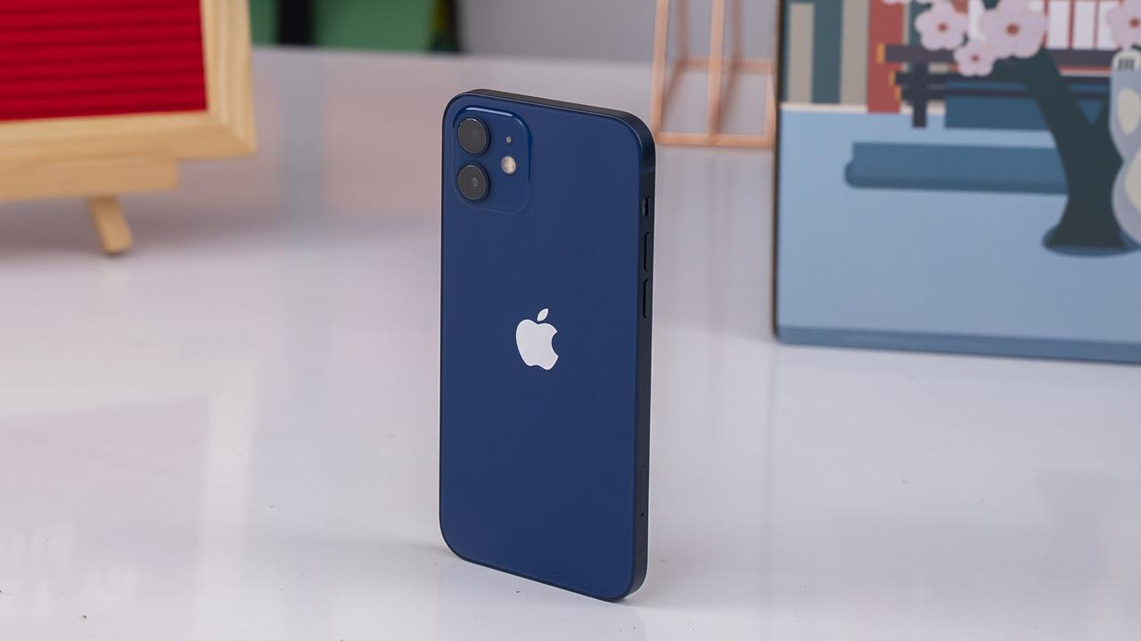 iPhone 13 chuẩn bị lên kệ, iPhone 12 giảm sốc gần 7 triệu 9